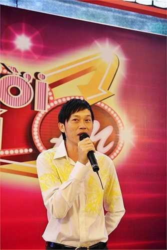 Anh cùng Việt Hương trở thành đội chủ nhà của chương trình 'Người bí ẩn'.