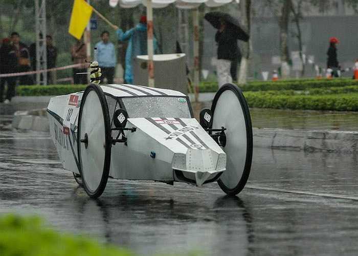 Người chiến thằng trong cuộc thi là nhóm sinh viên Đại học Giao thông Vận tải với kỷ lục gần 1.165 km/lít xăng.