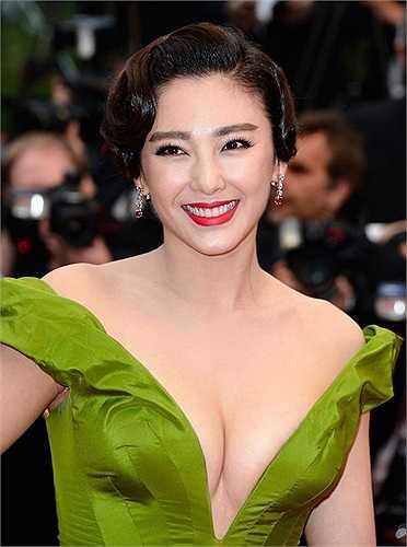 Trương Vũ Kỳ cũng là một trong những người đẹp đầy 'phồn thực' của showbiz Hoa ngữ.