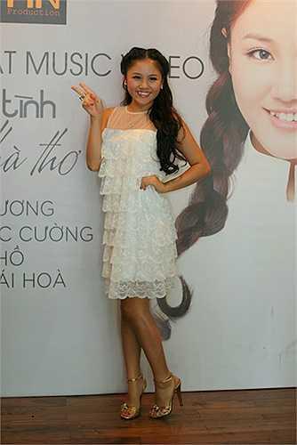 Văn Mai Hương không biết lựa chọn đồ để che đi khuyết điểm và tôn lên nét đẹp của mình.