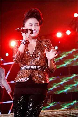 Á quân Vietnam Idol 2010 chắc cũng phải xấu hổ khi nhìn lại những hình ảnh này.