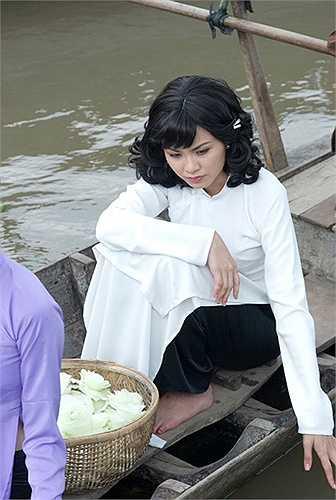 Trước khi xảy ra scandal gian dối trong việc có chồng vẫn đi thi Hoa hậu, Diễm Hương nhận lời đảm nhiệm vai chính trong bộ phim Mỹ nhân Sài Thành của đạo diễn Lê Cung Bắc.
