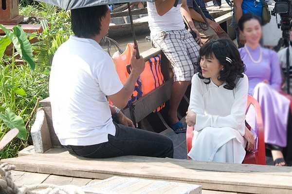 Sau scandal ồn ào, dẫn tới việc bị cấm diễn trên toàn quốc, Diễm Hương đã xin rút khỏi bộ phim.