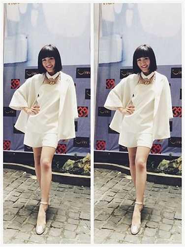 Phong cách thời trang mỗi ngày một kiểu của Văn Mai Hương.