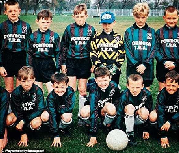Rooney đăng tấm ảnh hồi anh 8 tuổi trong buổi tập