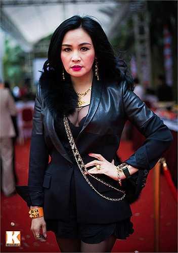 Diva Thanh Lam có tiếng là ăn mặc bạo dạn.