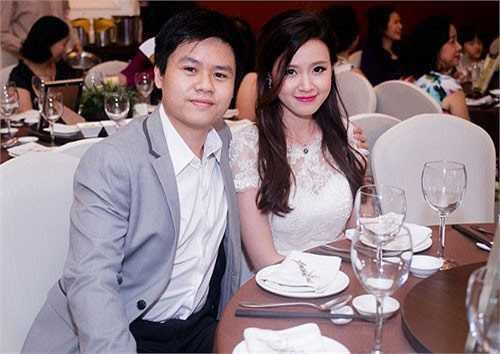 Midu: Bạn trai của hot girl Sài thành là Phan Thành. Anh là con một đại gia nổi tiếng ở TP.HCM, nắm trong tay cả Sài Gòn Square và nhiều nhà hàng lớn.