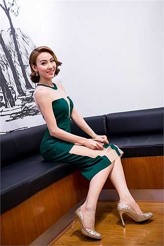 Trong bộ phim này, Ngân Khánh sẽ đóng vai người đẹp Thanh Trà sở hữu danh hiệu Á Hậu và có diễn biến nội tâm khá thú vị.