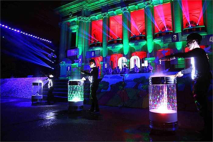 Vũ điệu ánh sáng tại Nhà hát lớn trước khoảnh khắc tắt đèn, thắp tương lai