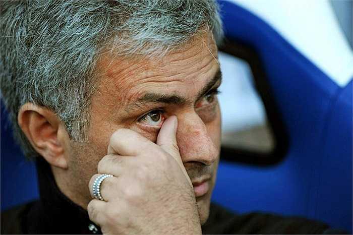 Song, sau khi trận đấu kết thúc với kết quả Chelsea thua 0-1, 'Người đặc biệt' phải cay đắng thừa nhận Chelsea đã hết khả năng vô địch Premier League mùa này