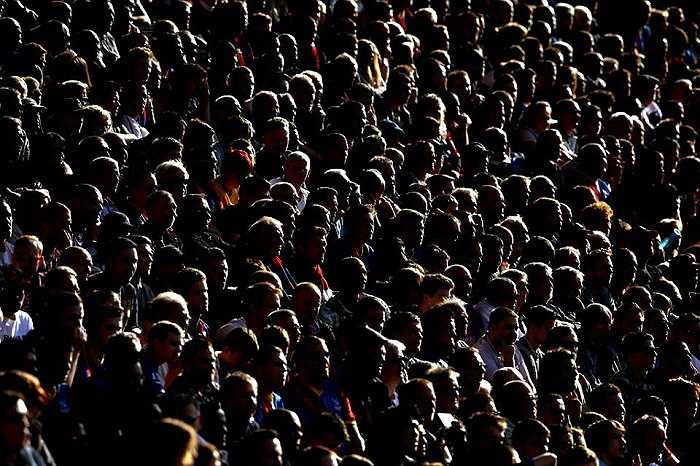 Các CĐV Crystal Palace như muốn nín thở khi chứng kiến đội nhà chống trả lại sức mạnh của Chelsea