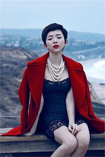 Dù trên sân khấu hay cuộc sống đời thường Tóc Tiên đều có sự lựa chọn trang phục khá riêng biệt để tạo nên cá tính thời trang của riêng mình.