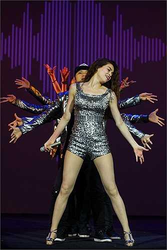 Cô liên tục được lựa chọn xuất hiện trong những liên hoan âm nhạc quốc tế.