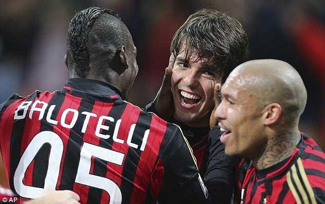Kaka ghi bàn thắng trong trận đấu thứ 300 ở AC Milan