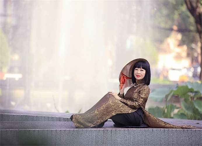 Bà cũng chính là nàng thơ trong nhiều tác phẩm của nhạc sỹ tài hoa Lam Phương.