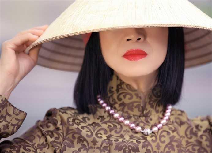Bạch Yến sẽ hát tặng những khán giả có mặt tại nhà hát những ca khúc đặc sắc của cô như: Duyên kiếp, Đi với tôi đến chân trời xa, La vie en rose, If you go away...
