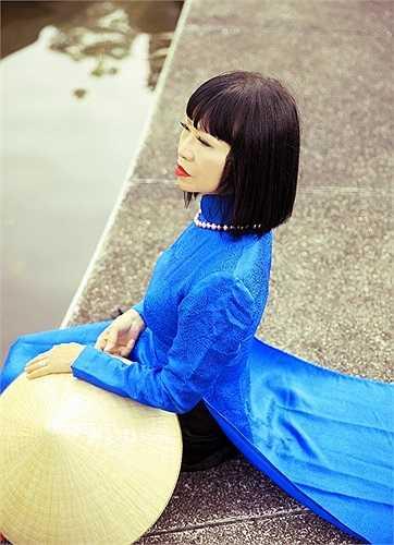 Hơn 30 năm, nữ danh ca Bạch Yến mới được có dịp xuất hiện trên truyền hình hát trực tiếp cho cả nước và hát nhiều như thế.