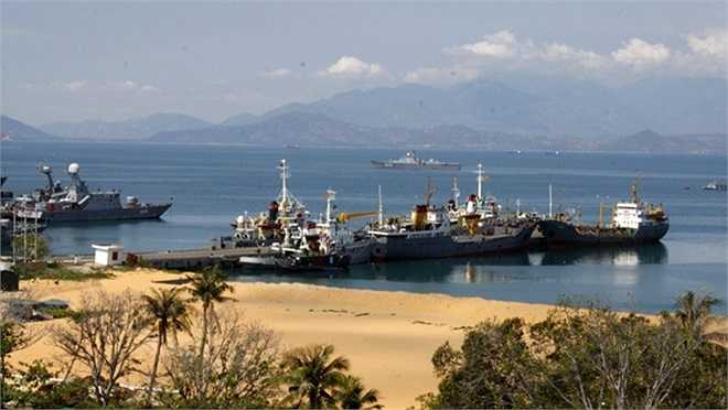 Một góc quân cảng Cam Ranh