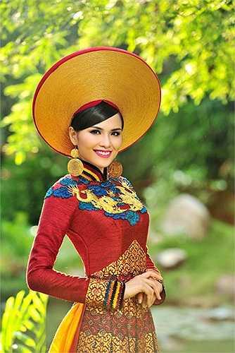 Theo cơ quan này, năm 2010, Diễm Hương đạt giải hoa hậu trong cuộc thi Hoa hậu thế giới người Việt. Năm 2011, Diễm Hương đã đăng ký kết hôn nhưng trong bản đăng ký tham dự cuộc thi Hoa hậu Hoàn vũ Thế giới năm 2012 cô đã khai không trung thực về tình trạng hôn nhân.