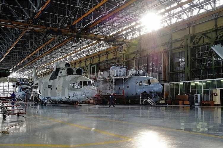 Các trực thăng đang trong quá trình chế tạo