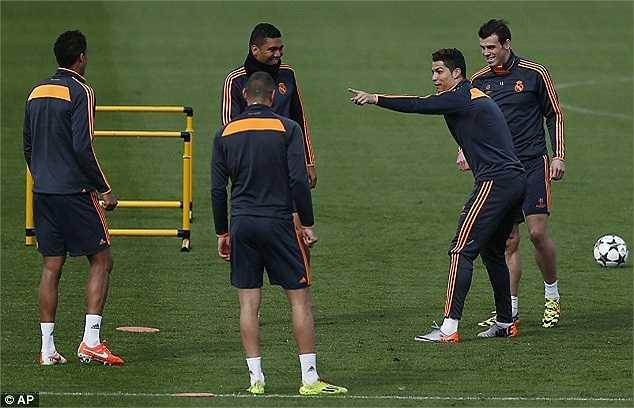 Không khí tập luyện của các cầu thủ Real Madrid đầy ắp những nụ cười