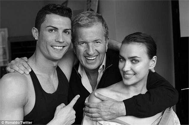 Cũng trước trận đấu với Dortmund, Ronaldo đã có một buổi chụp hình cùng cô bạn gái lâu năm Irina Shayk cho tạp chí Vogue