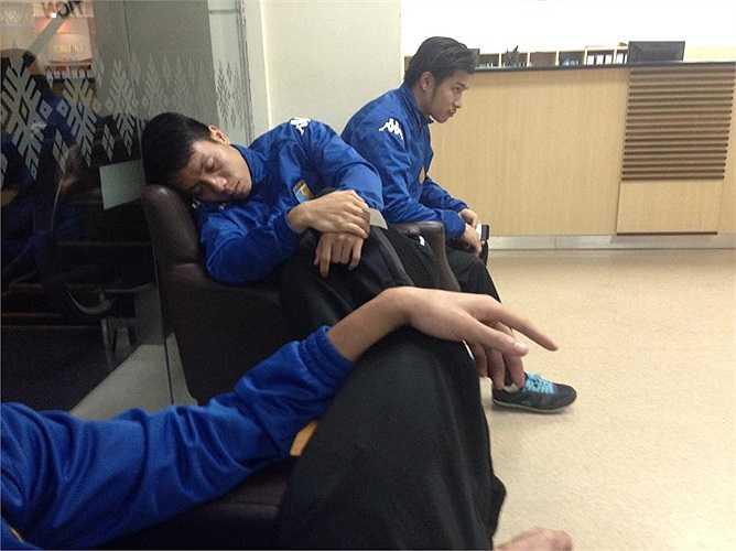 Có tới hơn nửa đội hình Hà Nội T&T bị tiêu chảy và sốt trước trận đấu gặp Selangor (Malaysia) tối qua.