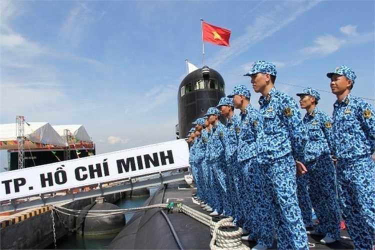 Các chiến sỹ Hải quân đã sẵn sàng cho Lễ thượng cờ quan trọng vào ngày 3/4.