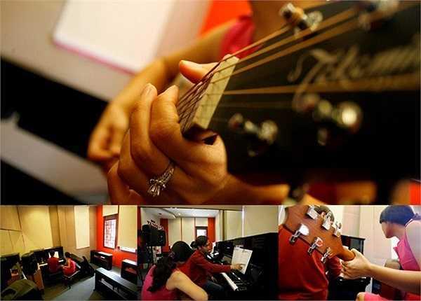 Soul Music Academy chuyên đào tạo các bộ môn: Thanh nhạc, Piano, Guitar, Violin, Trống và Nhảy hiện đại.