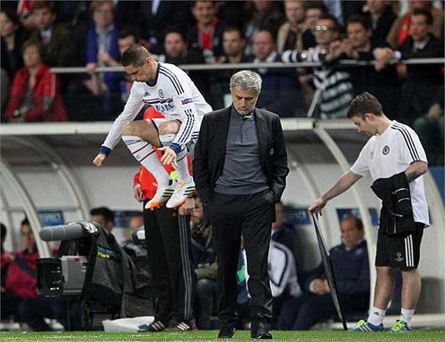 Ông cũng dành những lời chẳng mấy tốt đẹp cho Torres, tiền đạo vào sân thay người trong hiệp 2