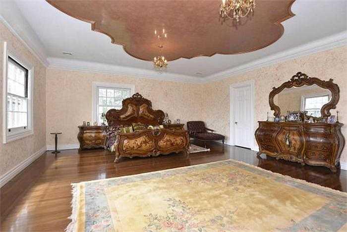 Phòng ngủ giá 9.995.000 USD nằm trong ngôi nhà lịch sử ở New York - nơi tác phẩm nổi tiếng The Great Gatsby được viết và nhiều nhân vật có tiếng từng mở tiệc tại đây.