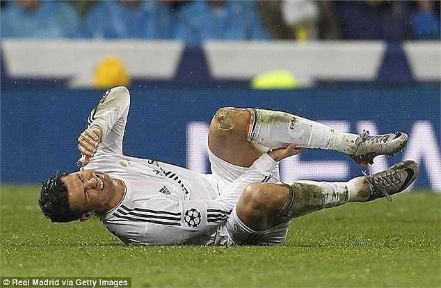 Ronaldo gặp phải một chấn thương nhẹ trong trận đấu
