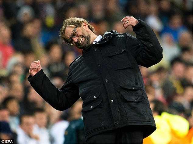 Hình ảnh HLV Jurgen Klopp tiếc nuối nhưng bất lực khi mà đội bóng của ông gặp quá nhiều khó khăn trước trận đấu này
