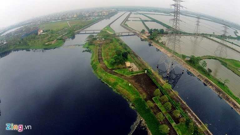Khu vực này khi chưa đầu tư và khởi công còn là một vùng đất hồ trũng, ô nhiễm và hoang hóa.