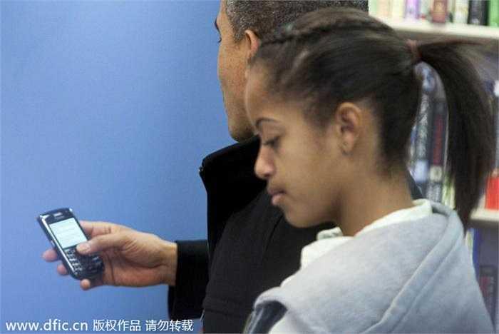 Tổng thống Mỹ Barack Obama luôn ưa chuộng Blackberry và đã kiên quyết đòi giữ lại chiếc điện thoại này bất chấp sự phản đối từ cơ quan bảo mật.