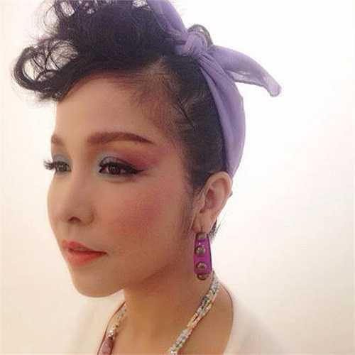 Mỹ Linh ngày càng đẹp lên với phong cách thời trang mới.