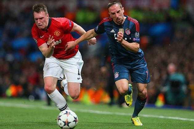 Nhiều CĐV Quỷ đỏ vui vẻ phong cho Jones là 'cầu thủ có khuôn mặt troll hay nhất Man Utd'