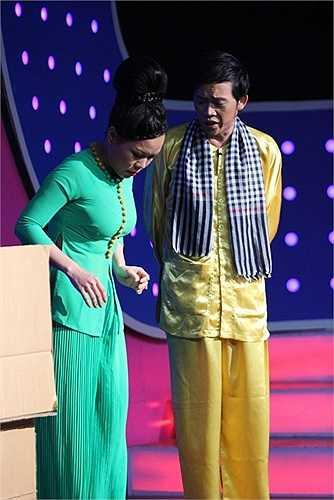 Hoài Linh và Việt Hương luôn là hai gương mặt đắt khách khắp các sân khấu hài.