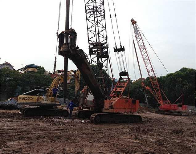 Công trường xây dựng của dự án được phóng viên VTC News ghi nhận vào tháng 8/2013. Dự án thời điểm này đang thi công phần móng.