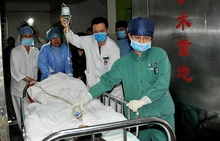 Zhou đã phải chống chọi căn bệnh thận mãn tính trong hai năm