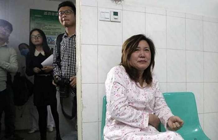 Bà của bé Chen là người đầu tiên được các bác sỹ thông báo về câu chuyện