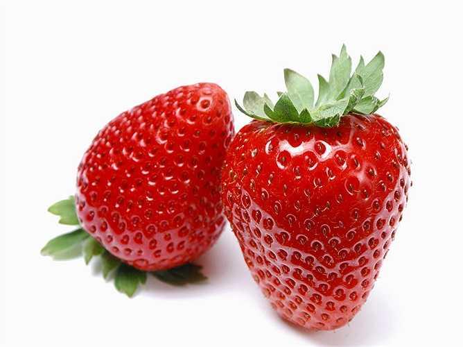 Dâu tây: Chứa đầy đủ vitamin C và chất xơ cần thiết cho cơ thể mỗi ngày.