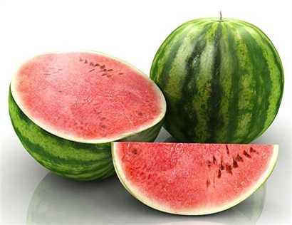 Dưa hấu: Dưa hấu tạo thành từ 92% là nước và 6% đường, được xem là loại thực phẩm dưỡng ẩm hoàn hảo cho mùa hè.