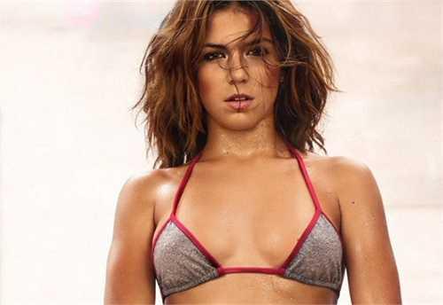 Lais Andrioli từng được giới truyền thông đánh giá là nữ cầu thủ sexy nhất thế giới. Cách đây ít năm cô quyết định chia tay sự nghiệp bóng đá sau khi liên tiếp gặp phải những chấn thương