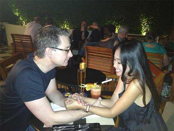 Niềm vui và hạnh phúc cũng như tình yêu của Johan dành cho Đoan Trang càng thêm mặn nồng và sâu sắc khi ngày Cá tháng Tư (1/4) vừa qua Đoan Trang đã hạ sinh công chúa.