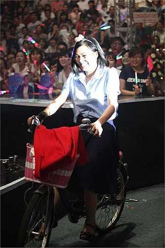 Sau 7 năm không làm liveshow, Lam Trường đã có một sự trở lại đầy ngoạn mục với liveshow Dấu Ấn hoành tráng