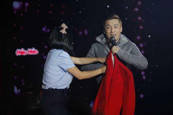 Và có thông tin cho rằng mối quan hệ của cô và Lam Trường đang rạn nứt.