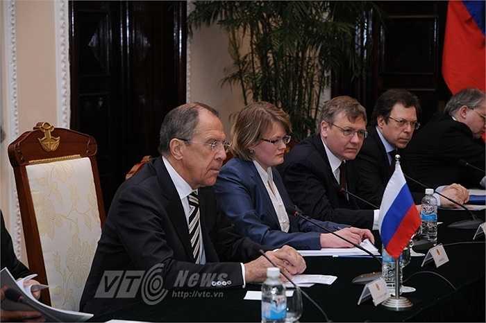 Ngoại trưởng Sergey Lavrov và phái đoàn Nga