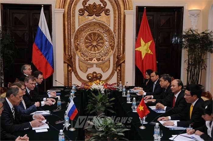 2 Bộ trưởng đã có buổi hội đàm trong khuôn khổ chuyến thăm của Ngoại trưởng Lavrov