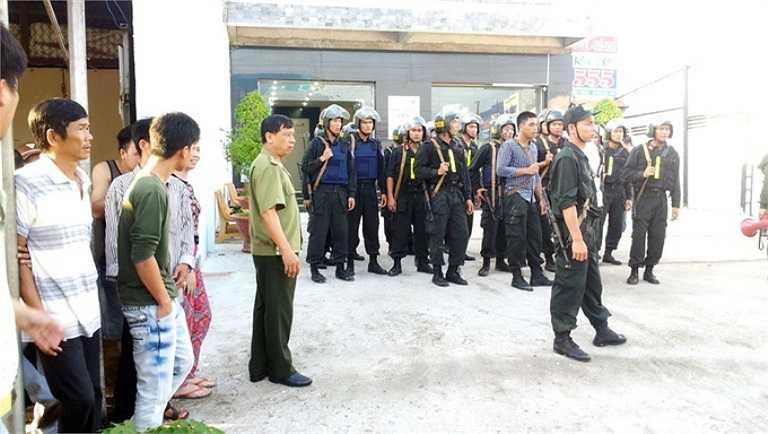 Hàng trăm cảnh sát được huy động tới hiện trường